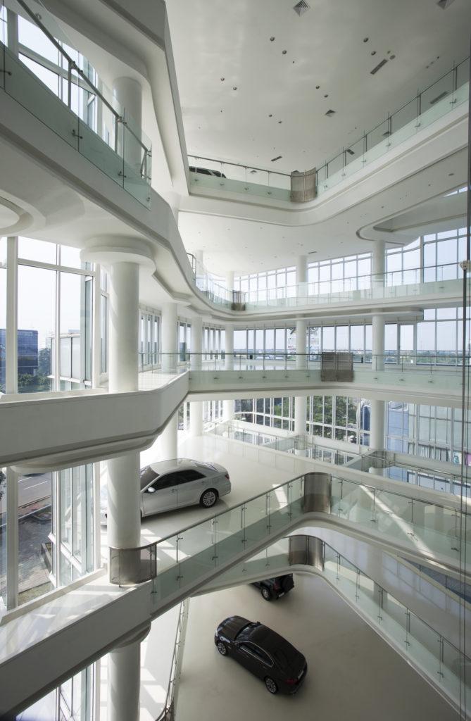 Automotive_gallery_09