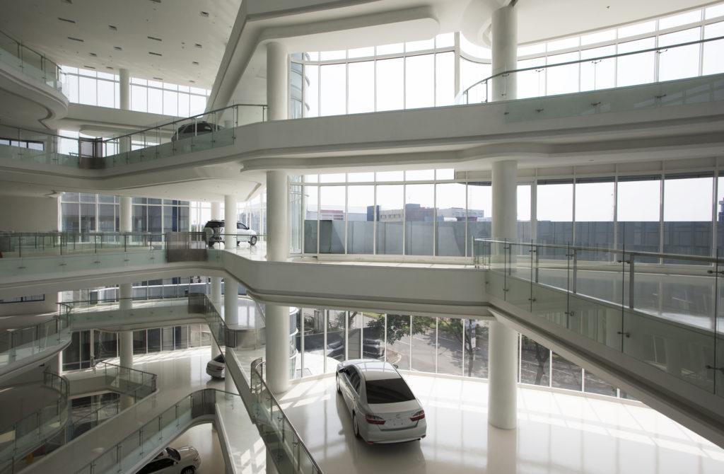 Automotive_gallery_10
