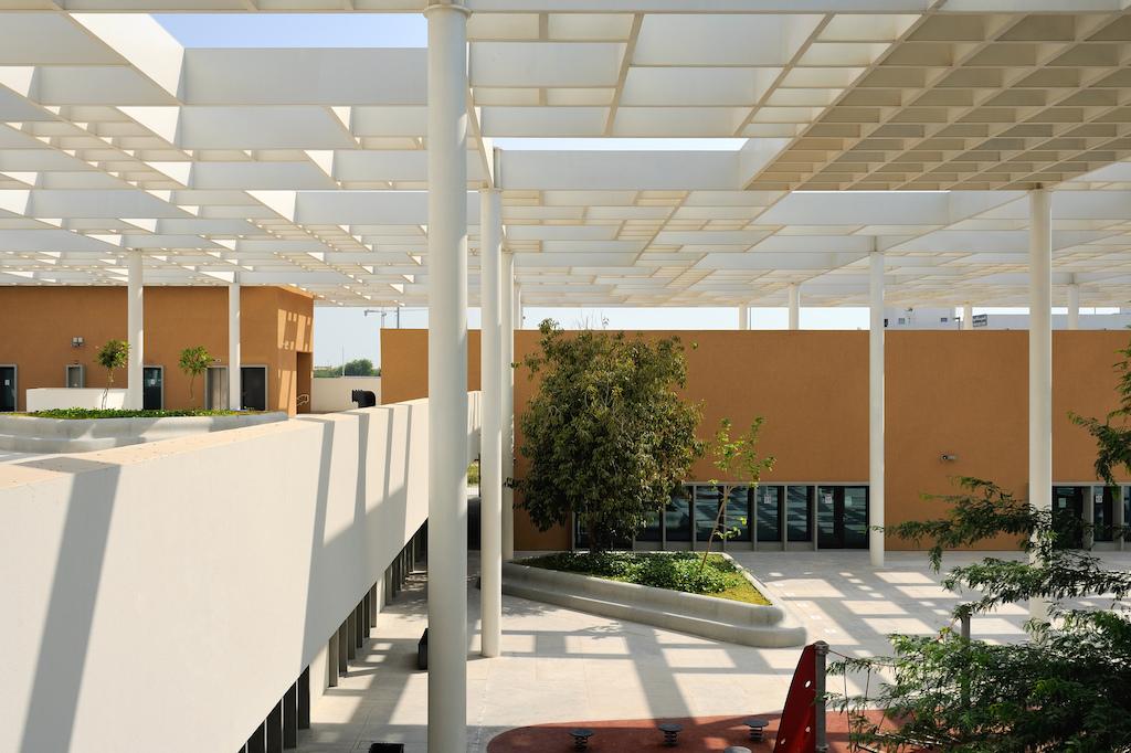 Abu Dhabi School By Segond Guyon Takes Horizontal Approach Amid High Rise Towers De51gn,Two Car Garage Interior Design Ideas